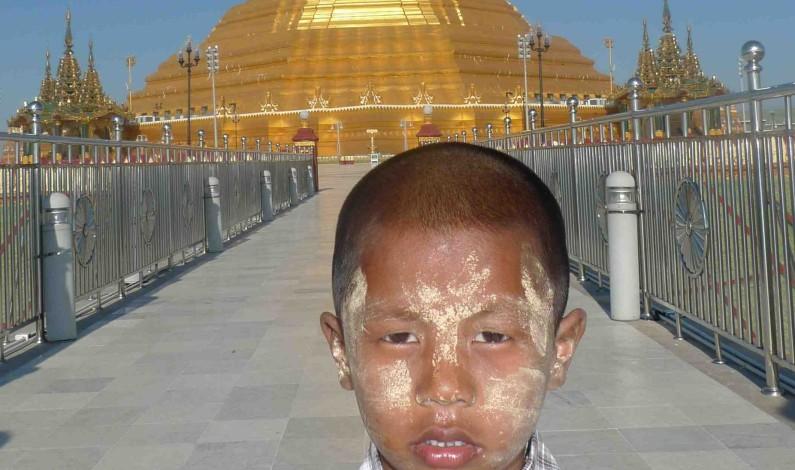 MYANMAR-GENERALENES BISARRE SPØKELSESBY